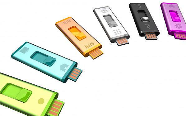 Sosyalde birkaç kere rastladım. USB belleğe işletim sistemi ya da farklı programlar kurarken yapılan bölümlendirmeler sonrasında bellek kullanılmaz hale gelebiliyor ya da olduğundan daha az kapasitede görünebiliyor. Bunu çözmek için bazı yazılımlar var fakat Windows'un kendi için gelen bir araç ile 3. parti yazılım kullanmamıza gerek kalmıyor. Adım adım anlatıyorum. Umarım işinize yarar.
